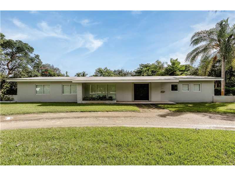 6691 Chapman Field Dr, Miami, FL 33156