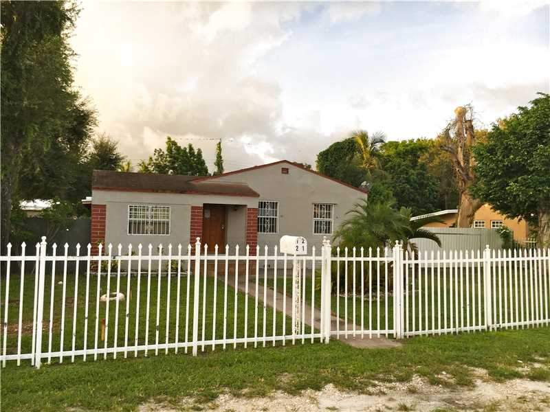 1221 Dunad Ave, Opa Locka, FL 33054