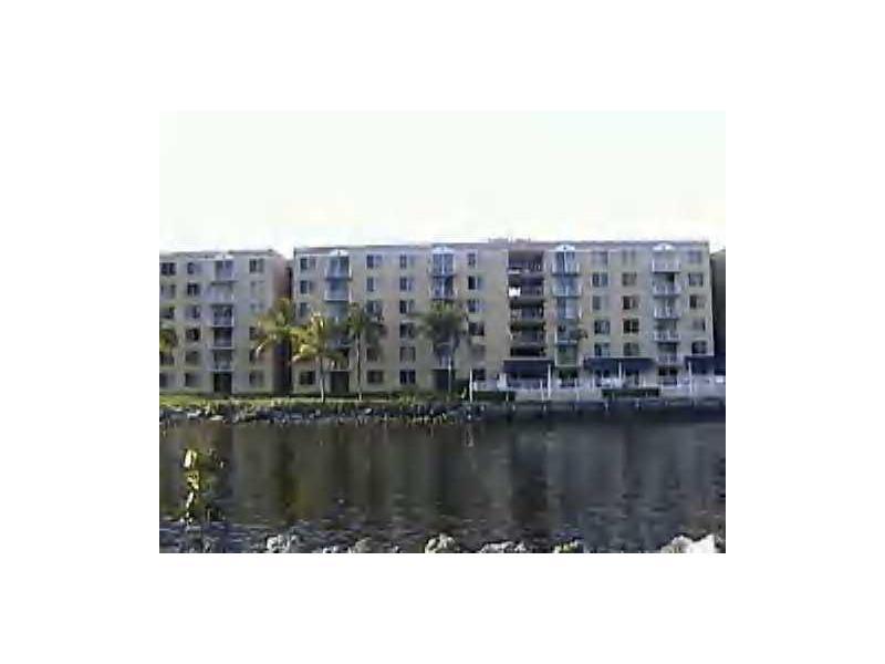 1720 NW North River Dr, Miami, FL 33125