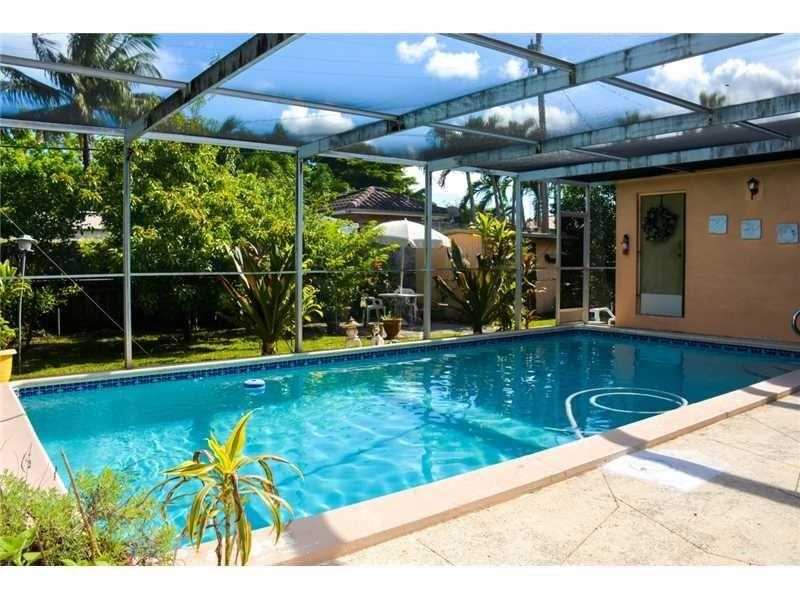3056 Nw 5th St, Miami, FL 33125