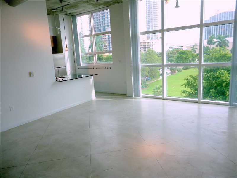 Photo of 2001  Biscayne Blvd  Miami  FL