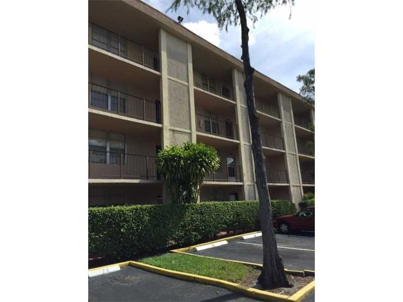 4851 NW 26th Ct, Lauderdale Lakes, FL 33313