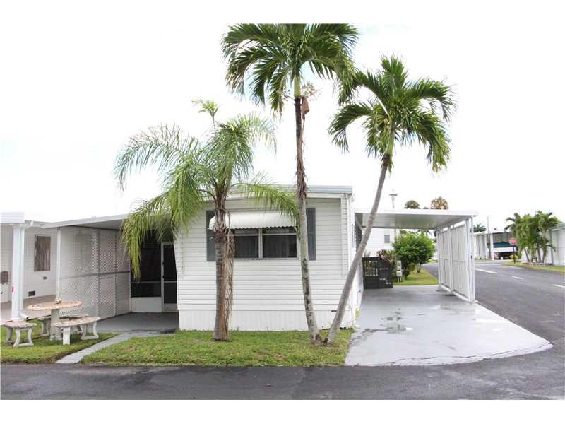 105 S Lake Shore Dr, Hallandale, FL 33009