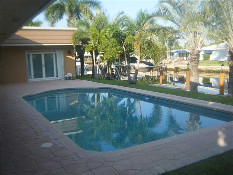 5541 Bayview Dr, Ft Lauderdale, FL 33308