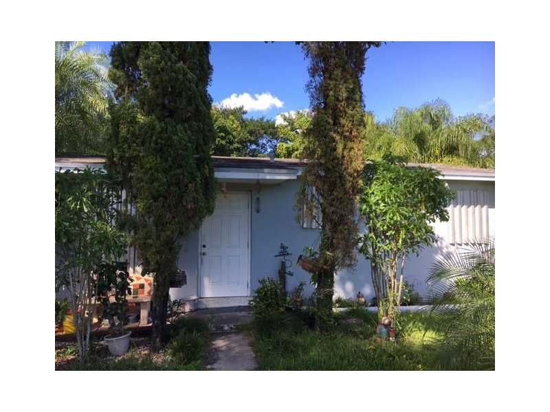 Photo of 18521 Southwest 268th St  Homestead  FL