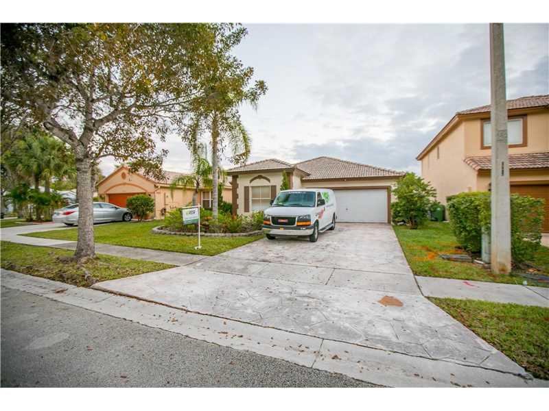 Photo of 20826 Northwest 21st St  Pembroke Pines  FL