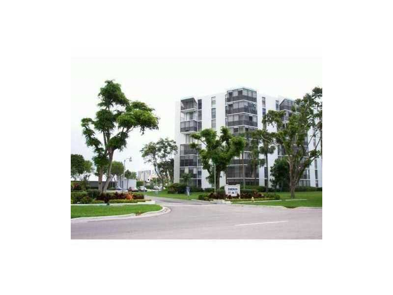 Photo of 3475 North Country Club Dr  Aventura  FL
