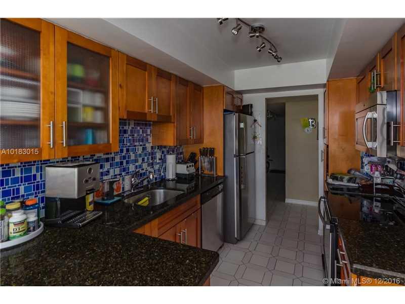 18011 Biscayne Blvd 805-1, Aventura, Florida