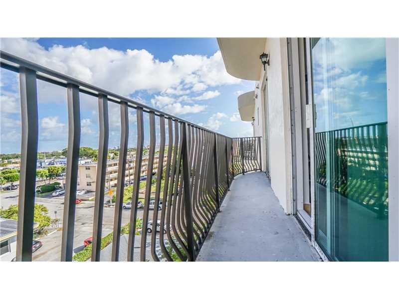 954 SW 36th Ct, Miami, FL 33135