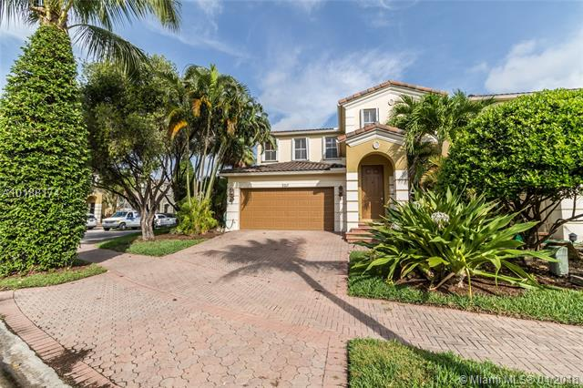 3217 NE 212th St, Aventura, Florida