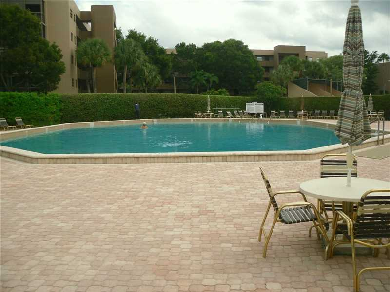 Photo of 1000  Colony Point Cir  Pembroke Pines  FL
