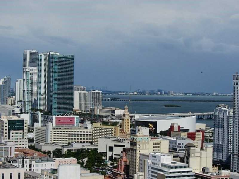 Photo of 350  S Miami Ave  Miami  FL