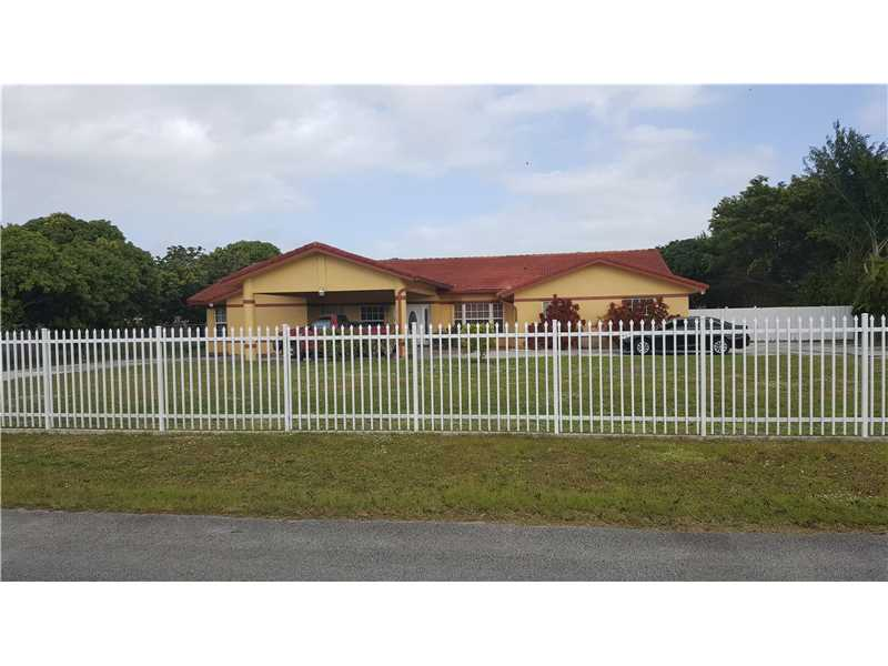 Photo of 15861 Southwest 254th St  Homestead  FL