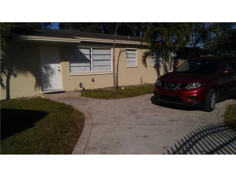 Photo of 3821 Northwest 207th St  Miami Gardens  FL