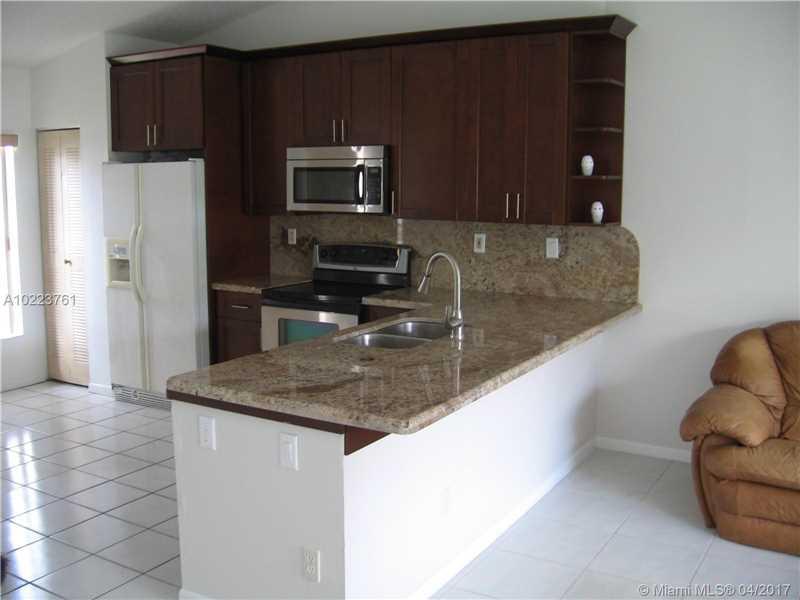 5940 Woodland Point Dr, Tamarac, FL 33319