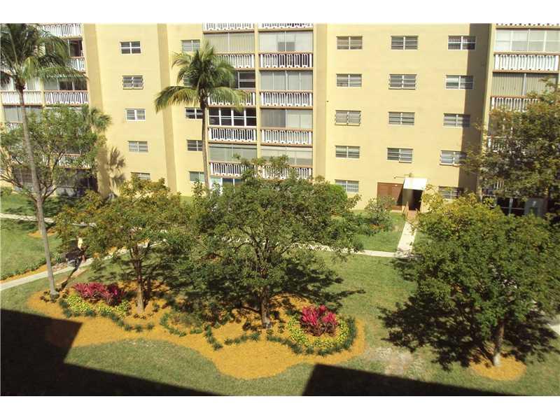 Photo of 609 Northeast 14th Ave  Hallandale  FL