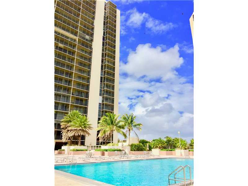 Photo of 20301 East Country Club Dr  Aventura  FL