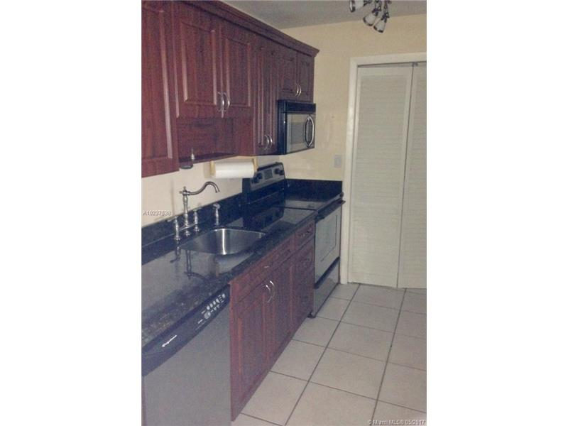 Photo of 230  Lakeview Dr  Weston  FL