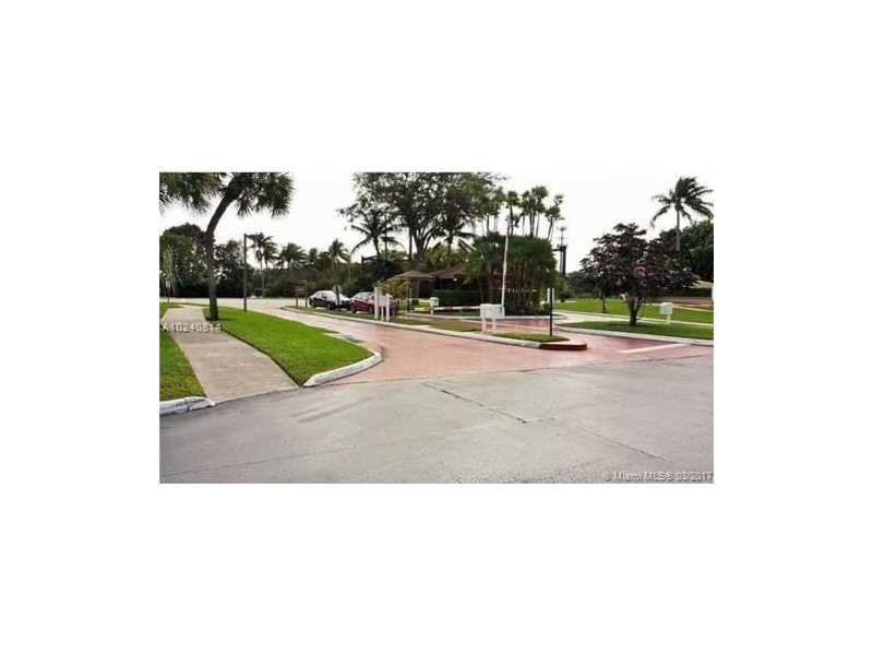 Photo of 1101  Colony Point Cir  Pembroke Pines  FL