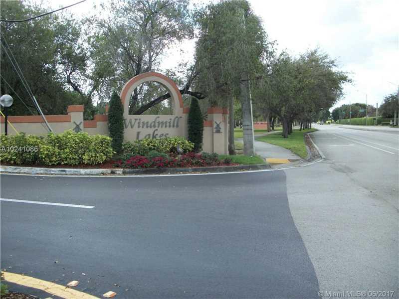 Photo of 8713 Southwest 5th St  Pembroke Pines  FL
