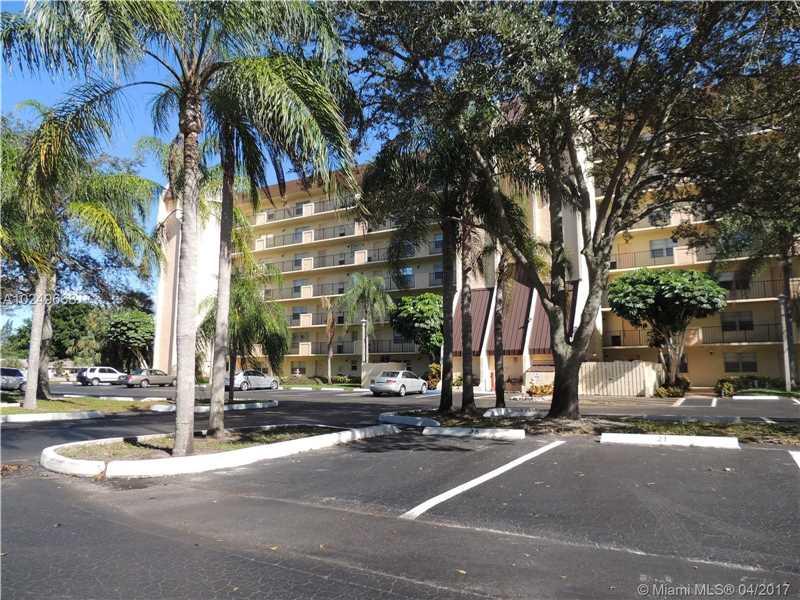 Photo of 3100 West Rolling Hills Cir  Davie  FL