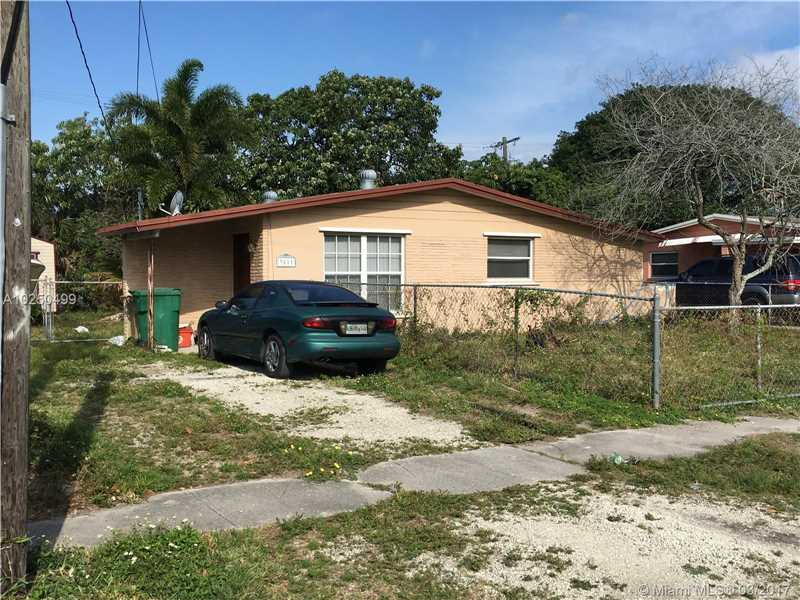 Photo of 3811 Southwest 63rd Ave  Davie  FL