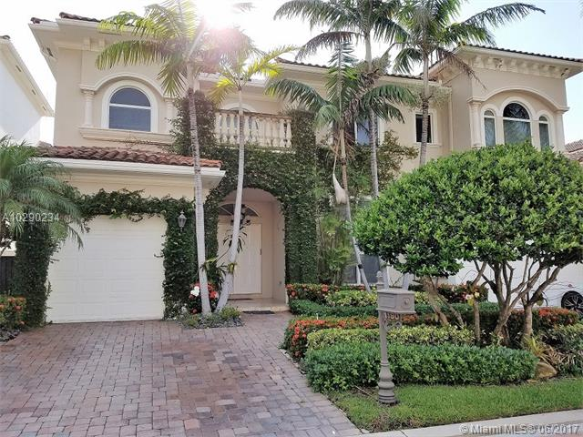 1190 HATTERAS LN, one of homes for sale in Hollywood