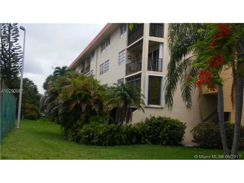 Photo of 8893  fountainebleau  Miami  FL