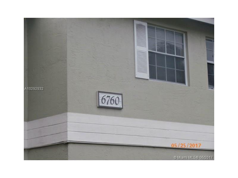 Photo of 6760 Northwest 175th Ln  Hialeah  FL