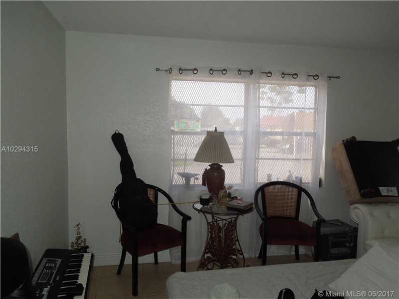 Photo of 505 Northwest 177th St  Miami Gardens  FL