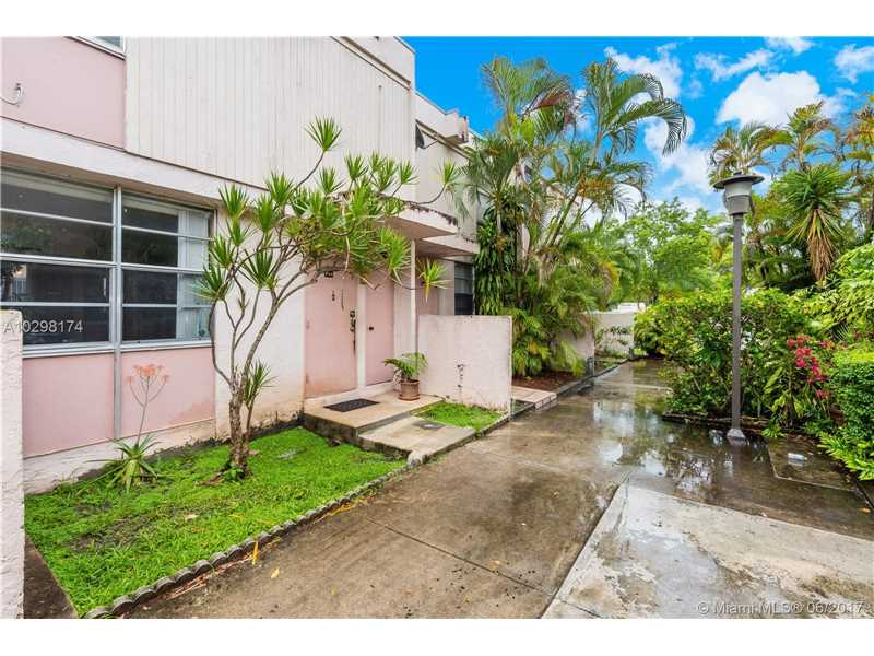 Photo of 6129 Southwest 69th St  South Miami  FL