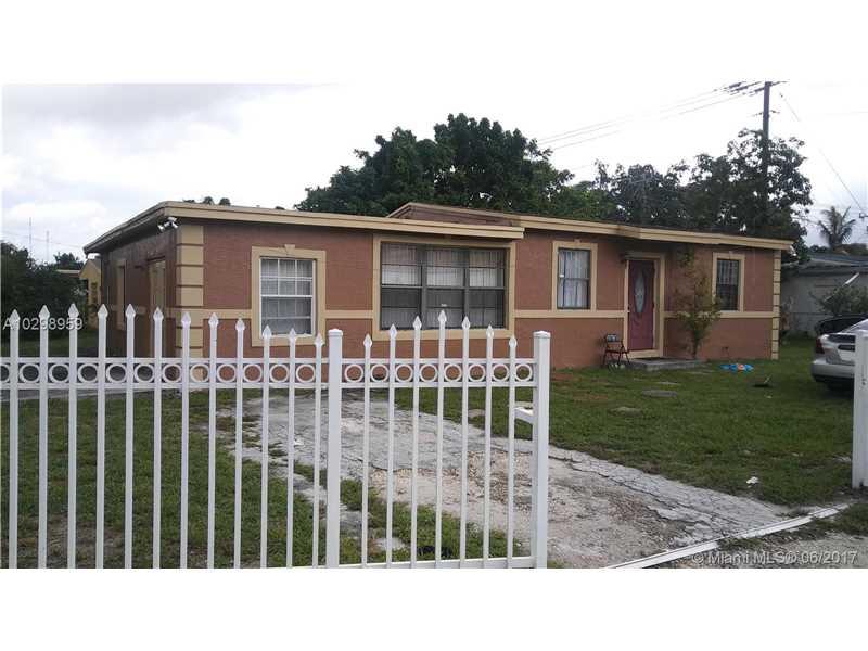Photo of 481 Northwest 179th St  Miami Gardens  FL