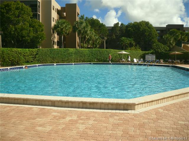 Photo of 901 Colony Point Cr  Pembroke Pines  FL