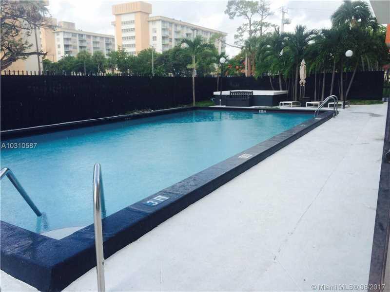 Photo of 920 NE 169th St  North Miami Beach  FL
