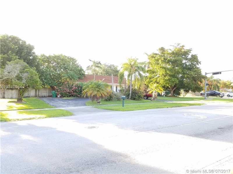 18341 SW 87th Ave, Palmetto Bay-Miami, Florida