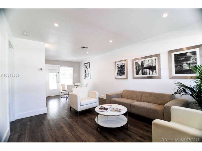 Photo of 2236  Taylor St  Hollywood  FL