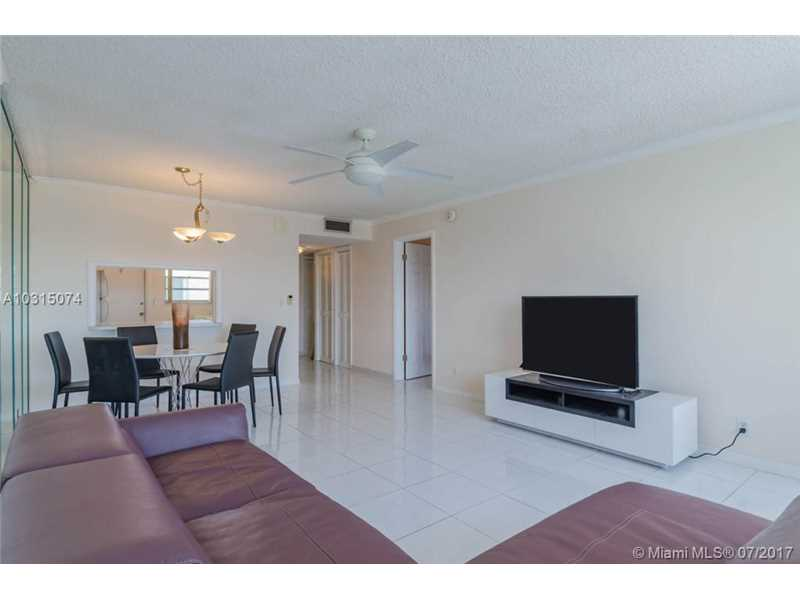 Photo of 330 SE 2nd St  Hallandale  FL