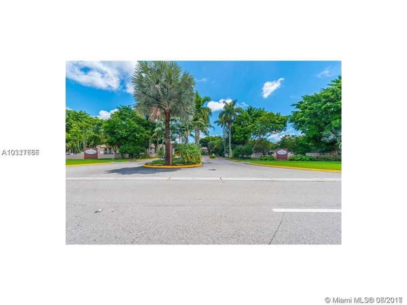 Photo of 14020 SW 91 TE  Miami  FL