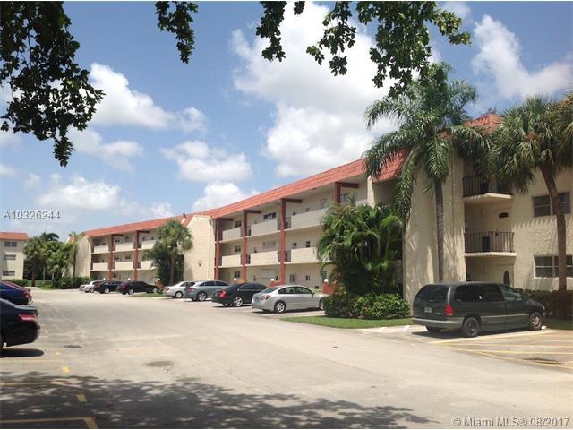 Photo of 9611 N Hollybrook Lake Dr  Pembroke Pines  FL