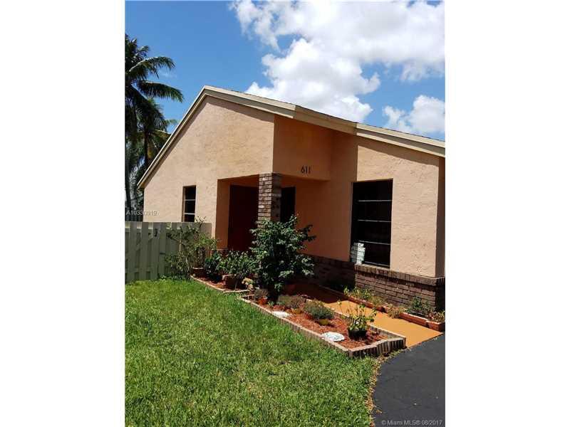 Davie Homes for Sale -  New Listing,  611  Green River Ln
