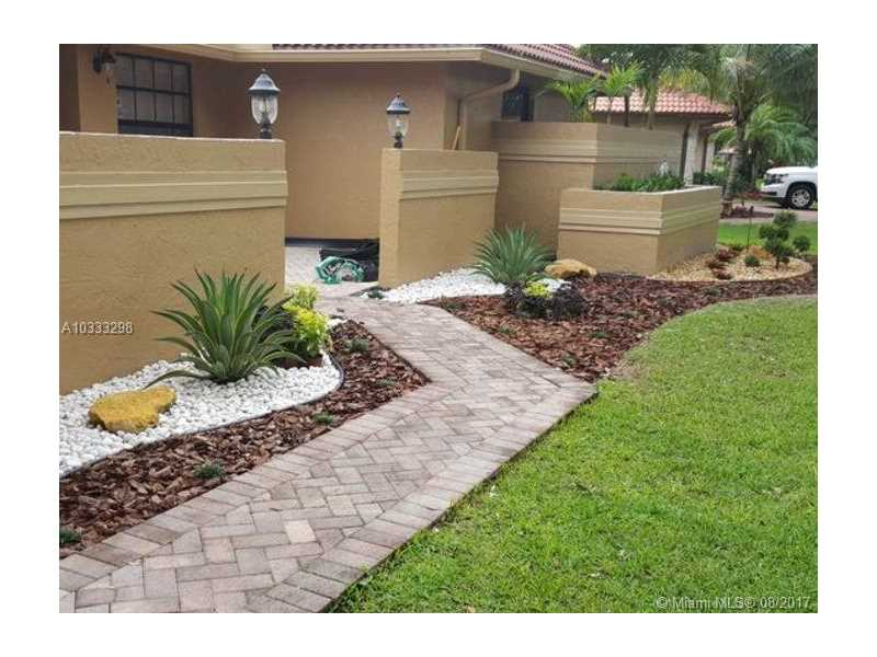 11005 SW 1st Ct Coral Springs, FL 33071