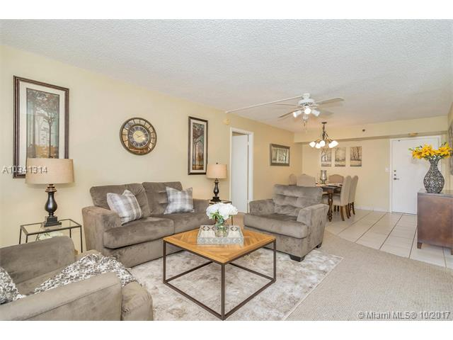 Photo of 900 Saint Charles Pl  Pembroke Pines  FL