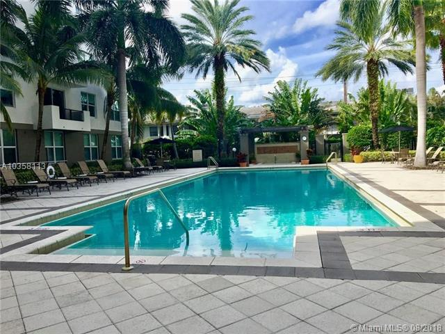 primary photo for 2421 NE 65 St 508, Fort Lauderdale, FL 33308, US