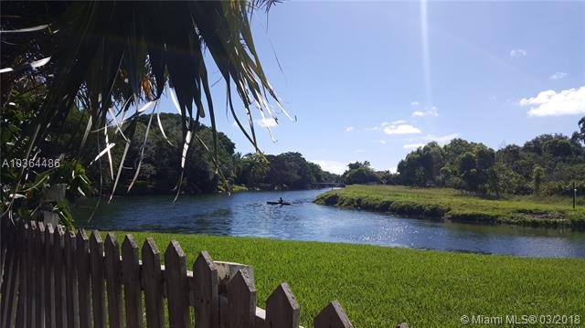 7800 SW 173rd Ter, Palmetto Bay-Miami, Florida