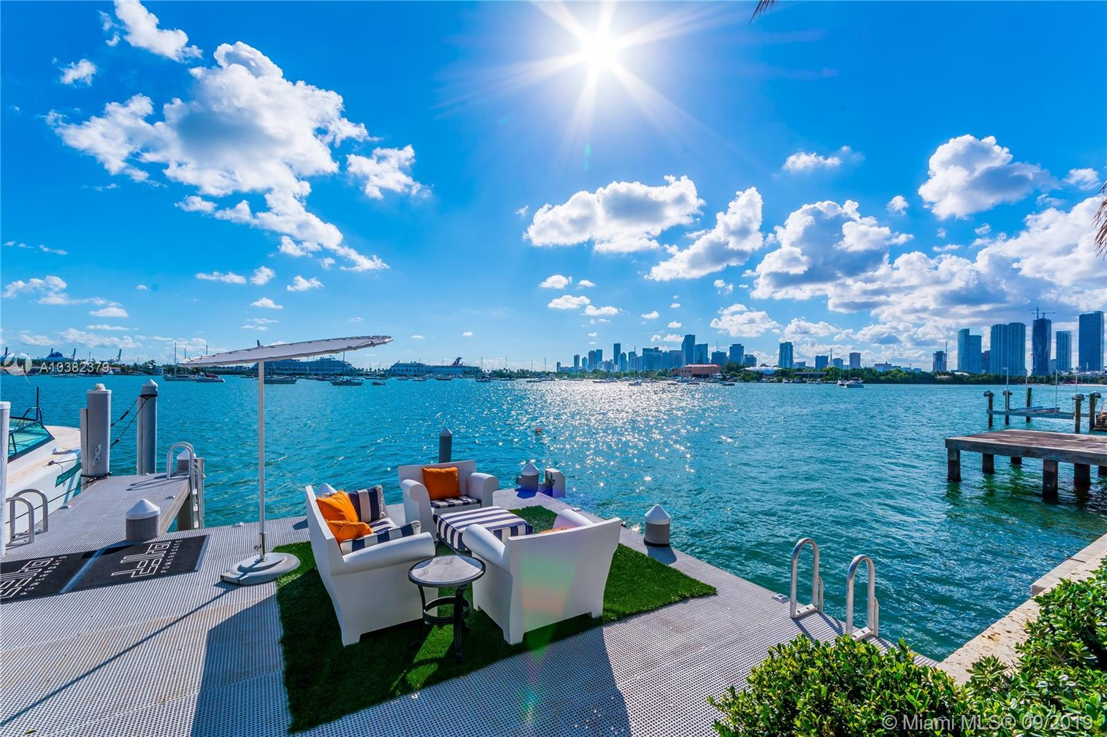 1276 S Venetian Way Miami, FL 33139