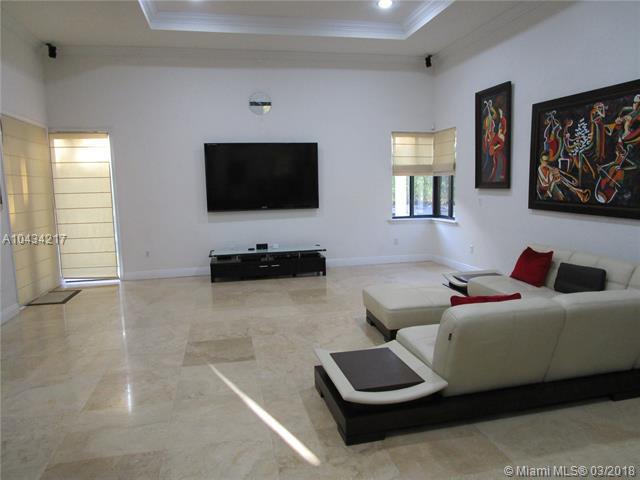 Photo 13 of 9402 SW 88th Ct Miami FL