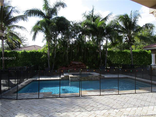 Photo 4 of 9402 SW 88th Ct Miami FL