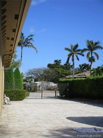 Photo 8 of 9402 SW 88th Ct Miami FL
