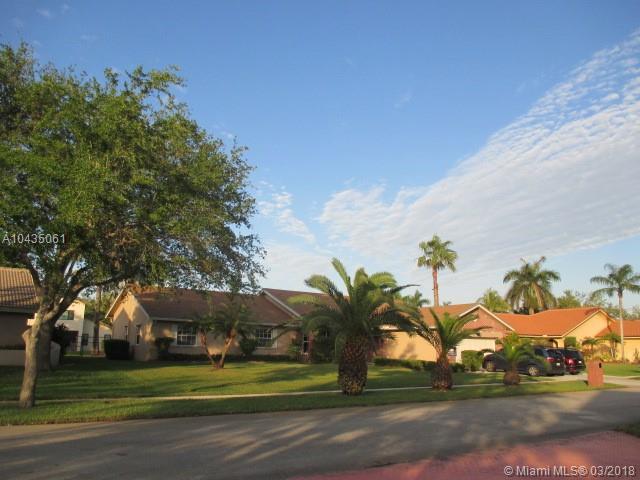 20271 NW 7th St, Pembroke Pines, Florida