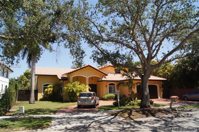 8315 NW 163rd St, Hialeah Gardens, Florida